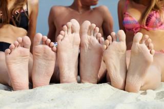 Consejos para evitar el dolor de pies en verano